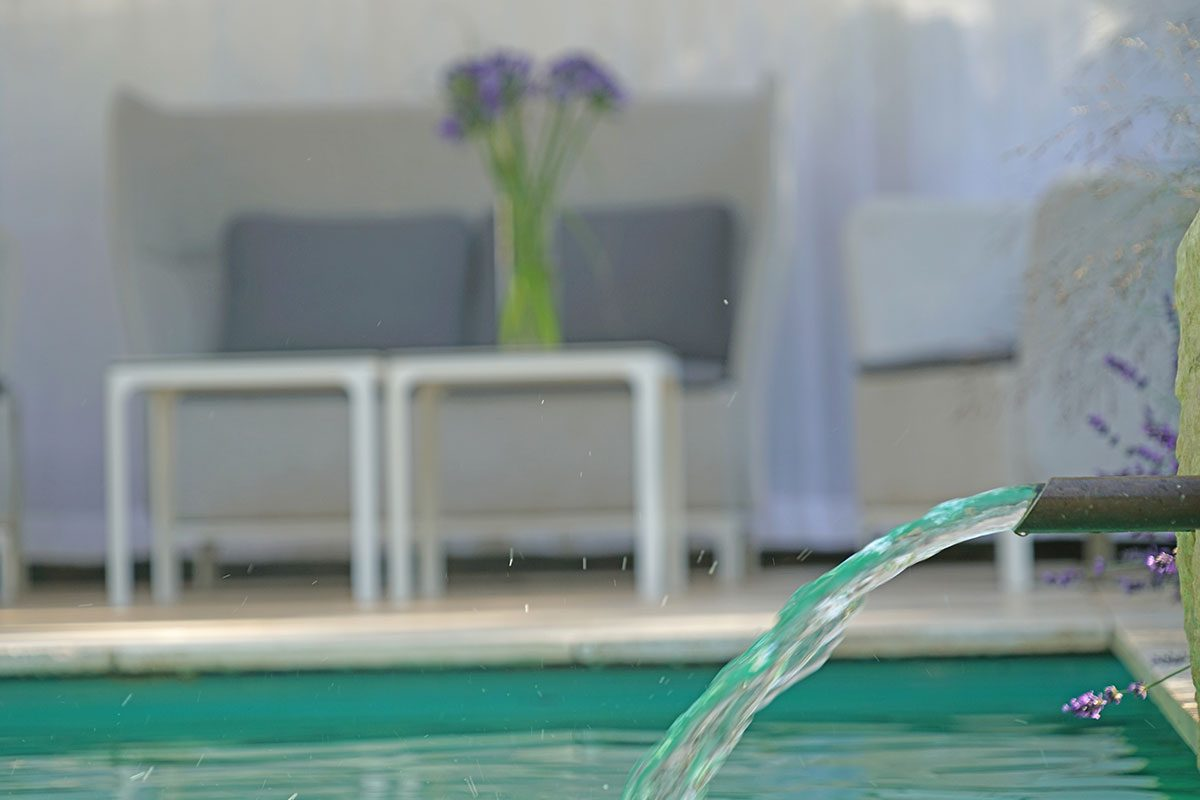 wasserstrahl schwimmbad